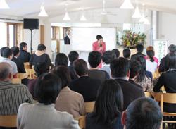 安藤さんが参加者に質問されています。