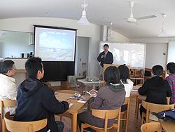 写真:千葉大学園芸学部の皆さんと講師の方
